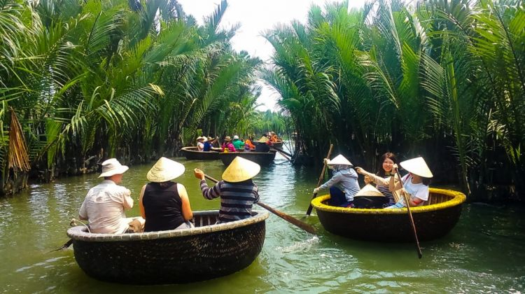 Taxi Transfers From Tien Sa Port To Hoian, Danang Day Tour