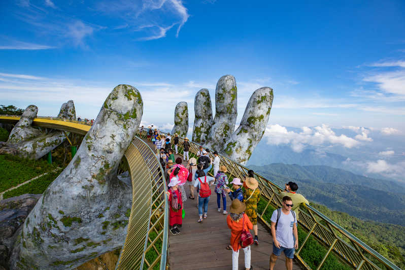 Taxi Transfers From Chan May Port To Golden Bridge Ba Na Hills Tour