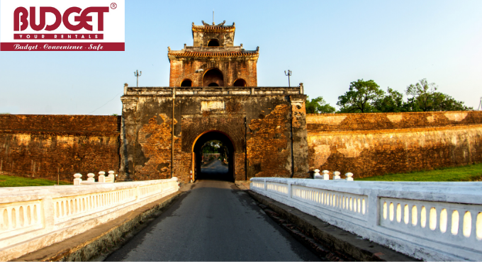 Rent_A_Car_With_Driver_In_Danang___Tour_3_Days_In_Hue_Hoian_Bana_Hill_2