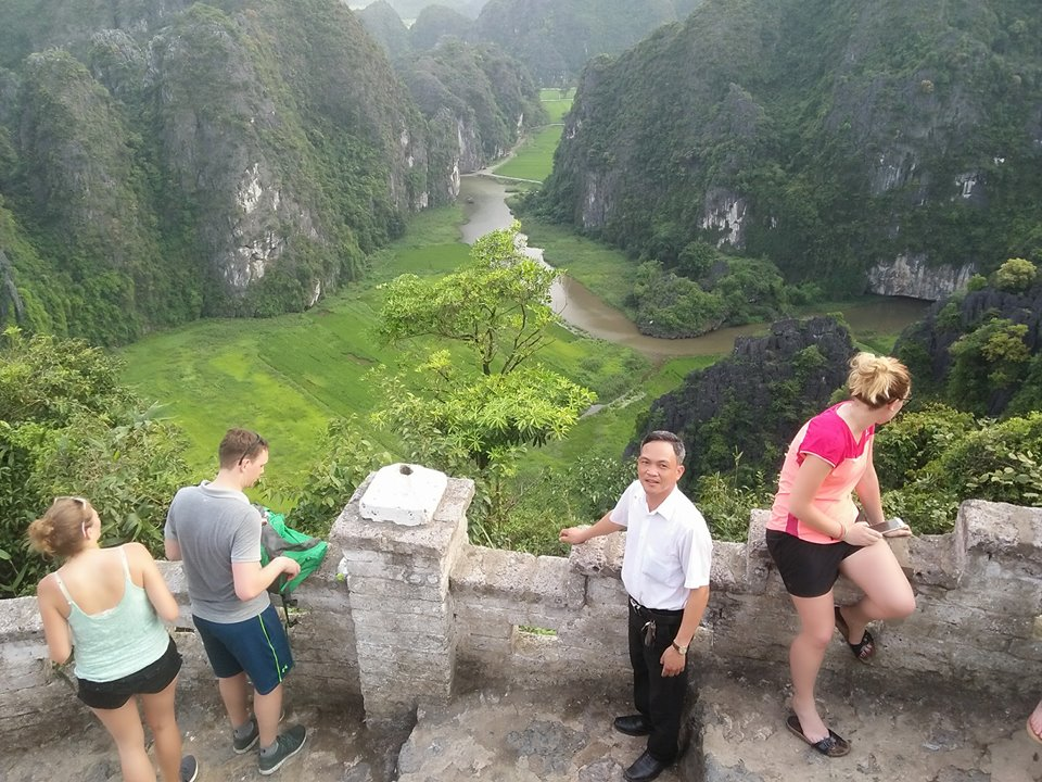 for a private taxi Halong transfers to Ninh Binh