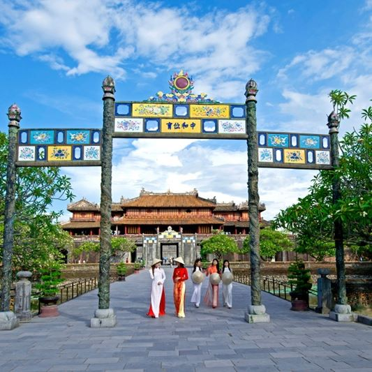 Car Rental With English Speaking Driver Hoian Transfers To Hue