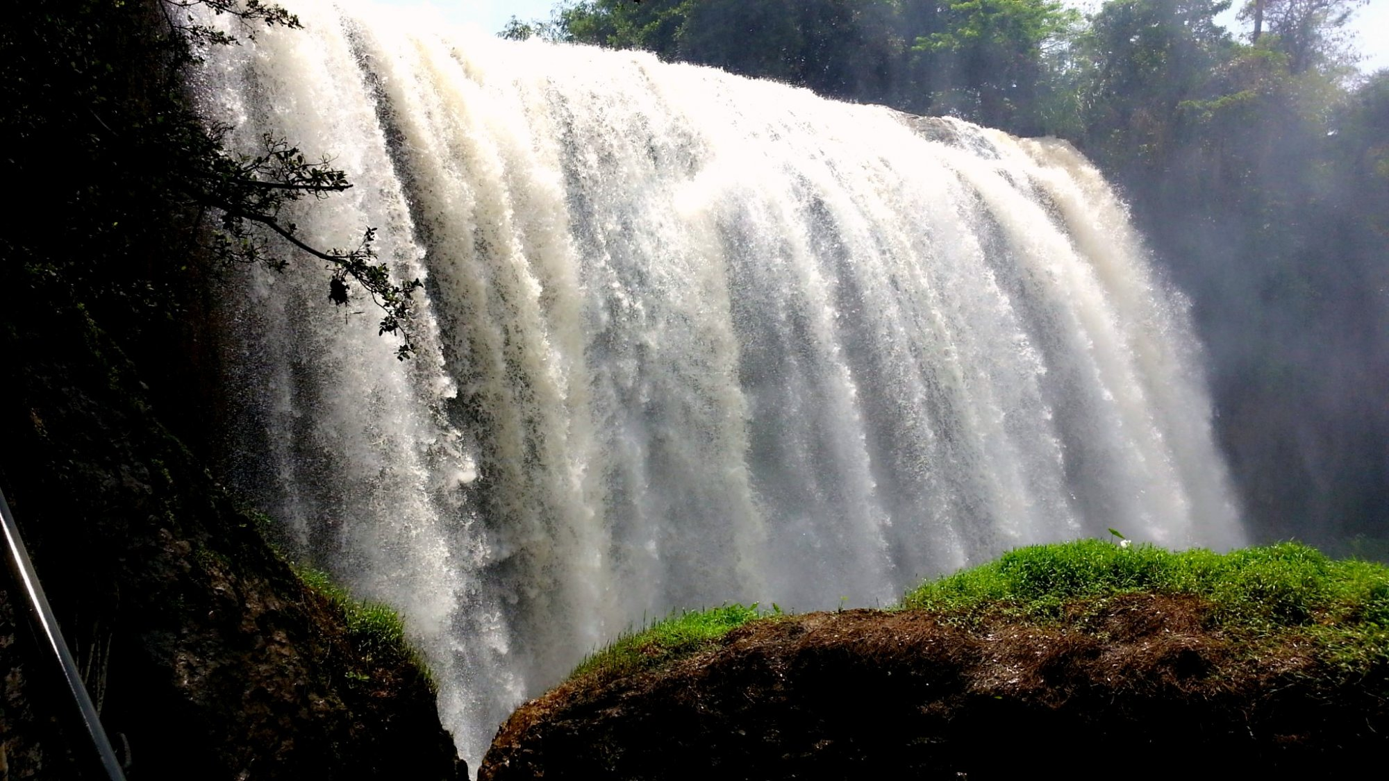 Private Car Rental With Diver For Dalat Tour 2 Days includes Waterfall
